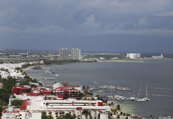 Los hoteles están susceptibles a los vientos huracanados. (Israel Leal/SIPSE)