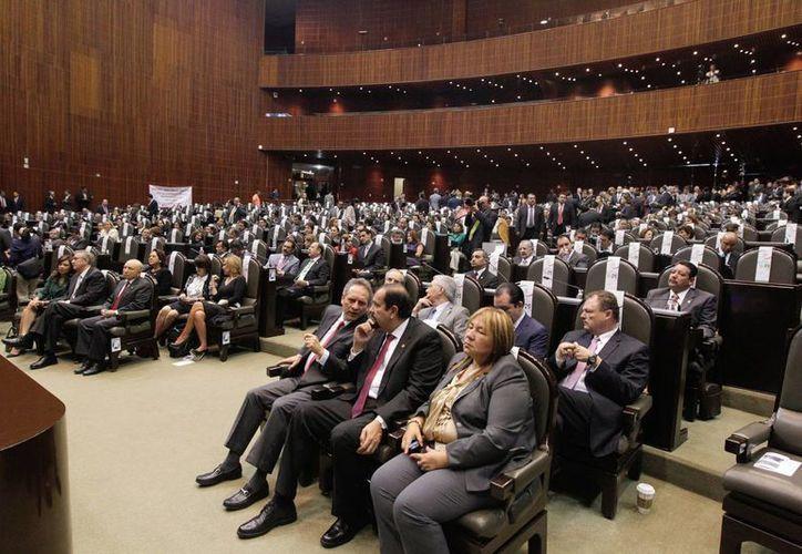 Después de poco más de once horas ininterrumpidas en el pleno, se dio por concluido el periodo extraordinario de sesiones con la aprobación del paquete electoral. (Notimex/Foto de archivo)