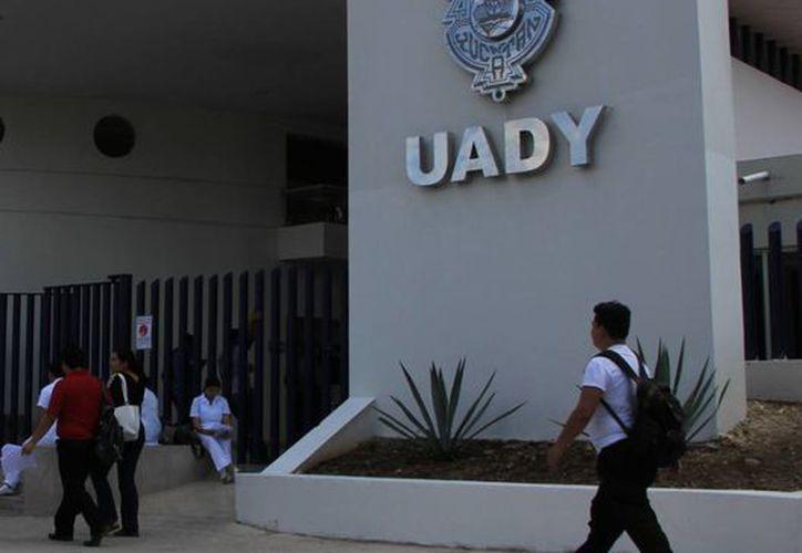 En la Universidad Autónoma de Yucatán habrá clases el viernes, pero no lunes ni martes. (SIPSE)
