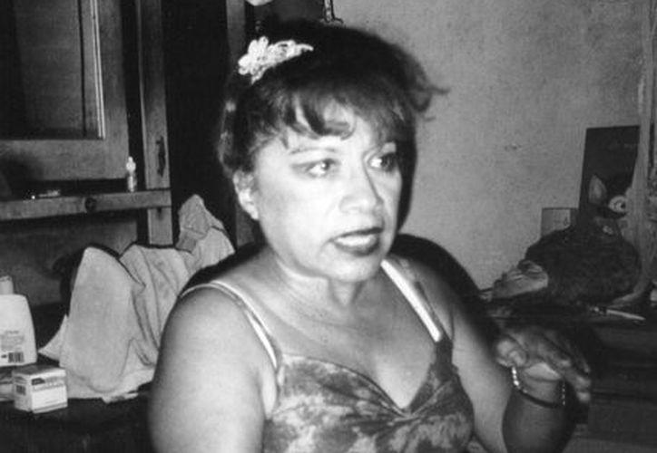 La señora Maricela Soto asegura que extraterrestres hipnotizaron a su esposo y atacaron a su perro. (Jorge Moreno/SIPSE)