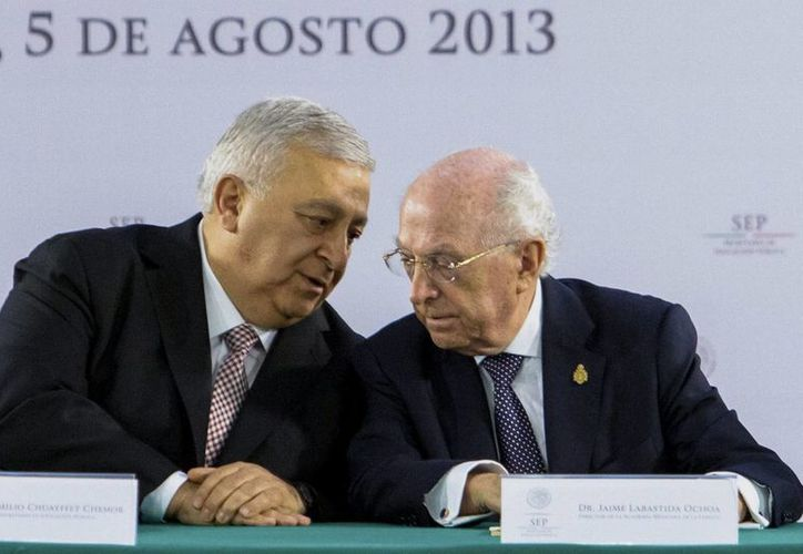La revisión de los errores comenzará inmediatamente, señaló Labastida Ochoa (der.). (Notimex)