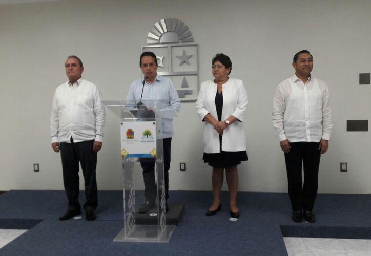 Juan Vergara presentó su renuncia esta tarde ante la presencia del gobernador. (Foto: Eddy Bonilla)