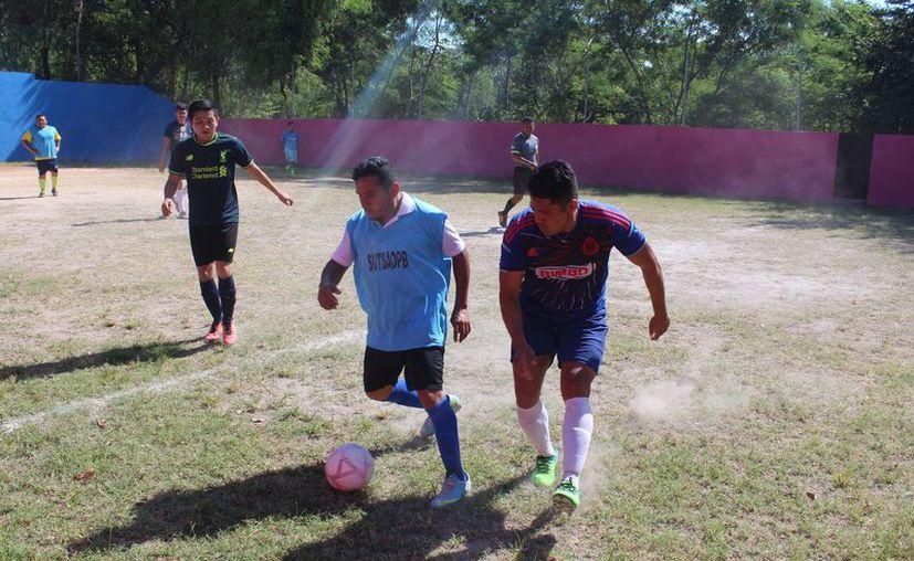 Las instalaciones deportivas de este organismo albergaron el sábado las actividades de la tercera semana en este torneo que se celebra por séptima ocasión. (Miguel Maldonado/SIPSE)