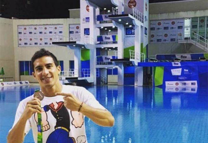 El clavadista yucateco es uno de los favoritos para conseguir medalla en los Juegos Olímpicos de Río de Janeiro 2016. (Foto de Twitter: @Rommel_Pacheco)