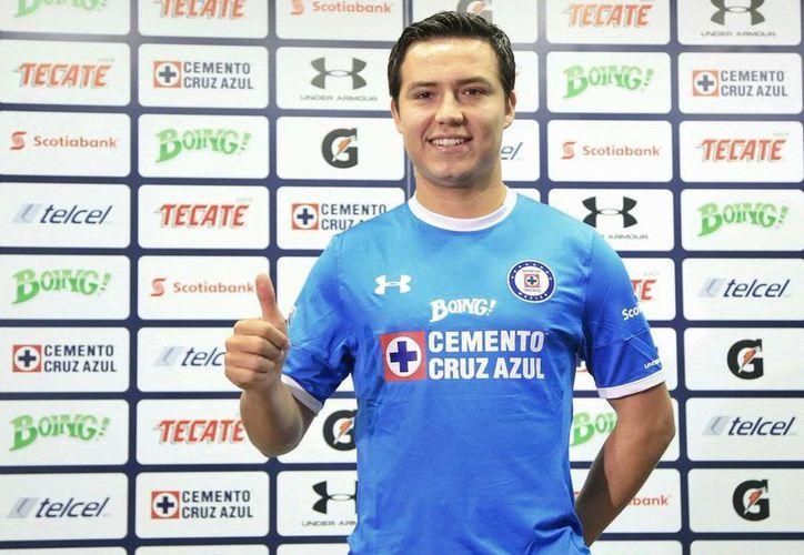 Erick Torres participó en tres duelos con el Cruz Azul, en los cuales solo pudo totalizar 44 minutos de juego.(Foto tomada de Univisión)