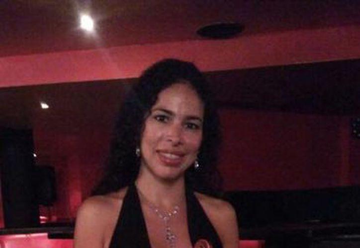 Amy Palma Canto, tremenda violinista pero, desgraciadamente no tiene cabida en la OSY. Allí, sólo exquisitos del director Juan Carlos Lomónaco tienen vía libre, ¿o no? (Sergio Grosjean/SIPSE)