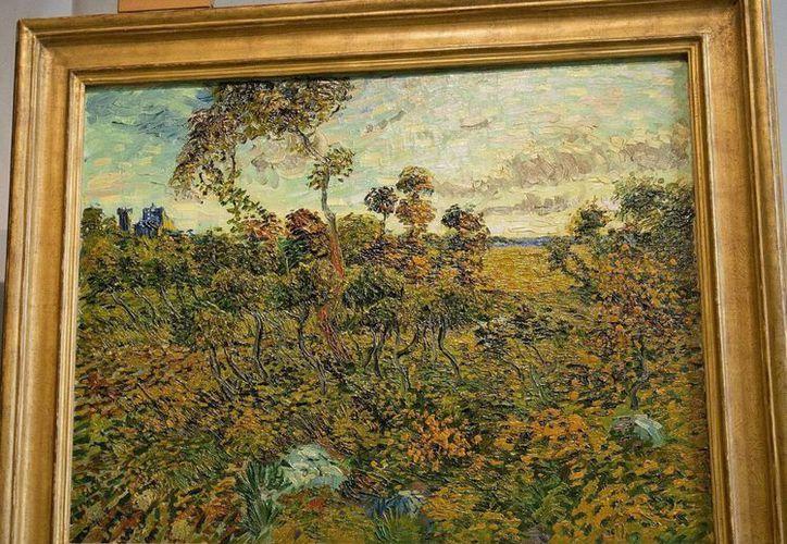 """Fue presentado el cuadro """"Puesta de sol en Montmajour"""", en el Museo Van Gogh, en Ámsterdam, Holanda. (EFE/Olaf Kraak)"""