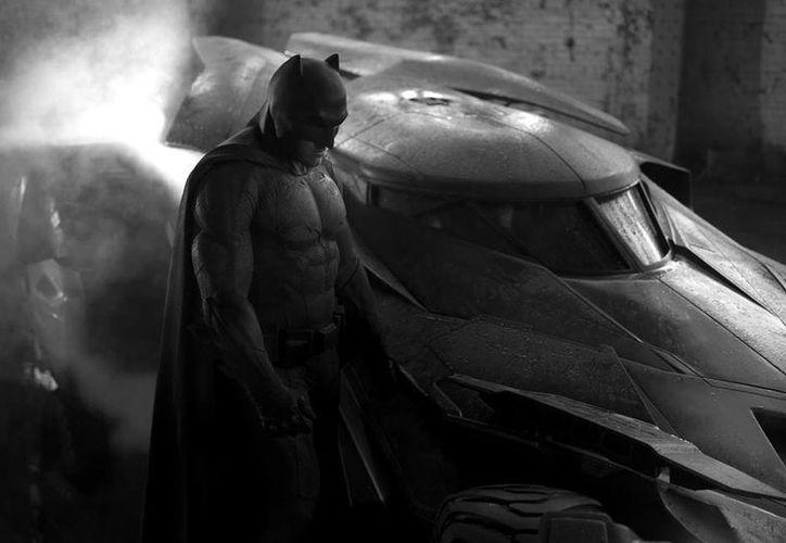 Imagen publicada por Zack Snyder en Twitter donde se ve a Ben Affleck caracterizado como Batman. (twitter.com/ZackSnyder)