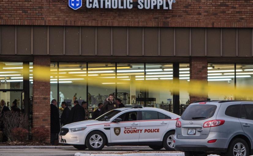 Un expastor evangélico enfrenta cargos por atacar a 3 mujeres en una tienda de artículos religiosos. (Twitter)