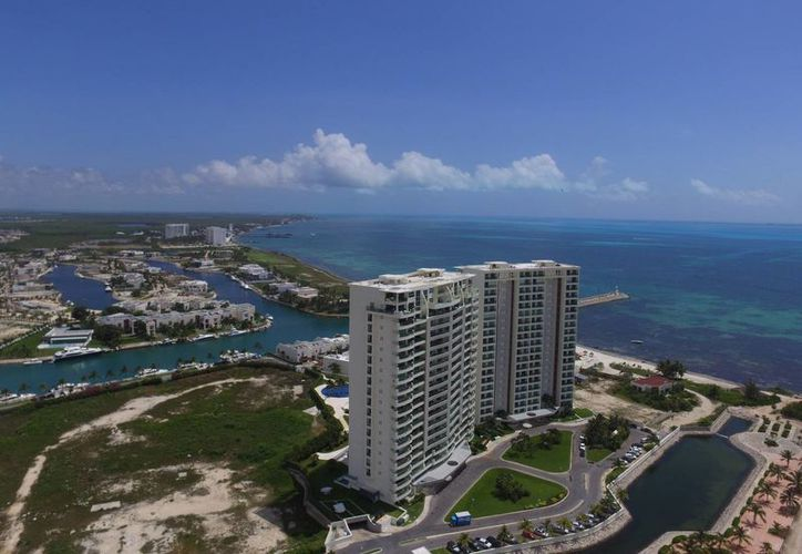 Cancún y la Riviera son los favoritos para la compra de inmuebles. (Israel Leal/SIPSE)