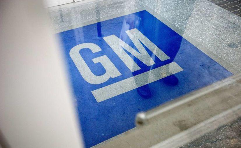 Logotipo de General Motors en Roswell, Georgia, EU. (Archivo AP/David Goldman)