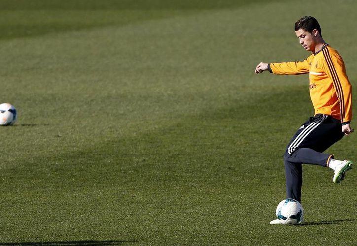 En su fallo, el colegiado del RFEF señala que el Real Madrid no contará con 'CR7' para los partidos de Liga contra el Villarreal, Getafe y Elche. (EFE)