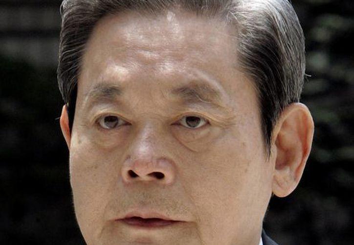 Lee ha mantenido su fortuna y el control del conglomerado Samsung. (Agencias)