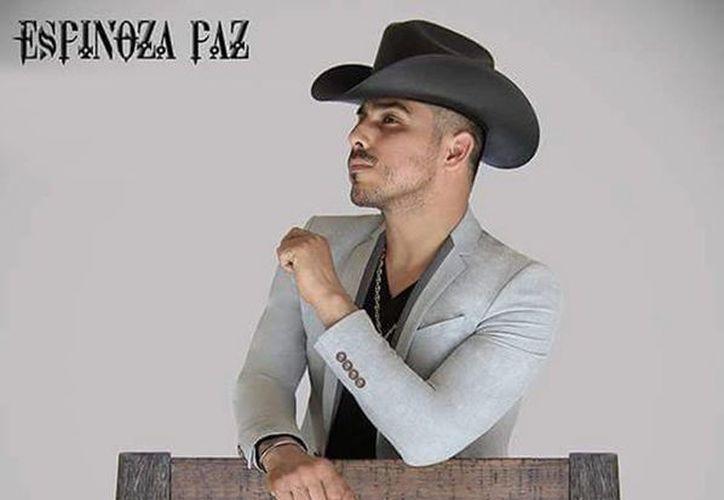 En el nuevo disco vienen canciones románticas, baladas, cumbias, todas con el sentimiento y el sello de Espinoza Paz. (Facebook Espinoza Paz)