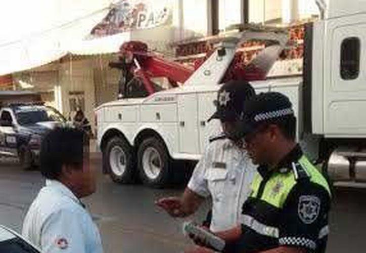 Tres conductores de transporte público fueron trasladados a 'El Torito' por no pasar el examen de alcoholimetría. (Redacción/SIPSE)