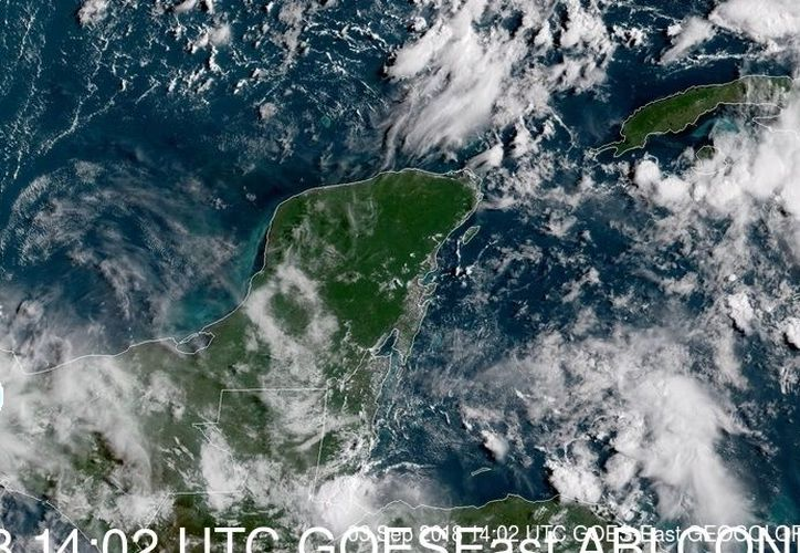 El establecimiento de una vaguada sobre la Península de Yucatán, mantendrá la probabilidad para intervalos de chubascos con tormentas puntuales. (Captura de pantalla noaa)