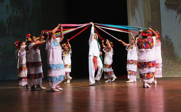 Las danzas prehispánicas fueron parte del preámbulo de este suceso. (Octavio Martínez/ SIPSE)