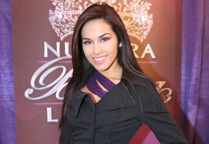 Nuestra Belleza Tamaulipas 2013, Bárbara Falcón Prieto, fue arrestada por la Policía de Laredo, Texas, al tratar de impedir la detención de su novio. (Internet)
