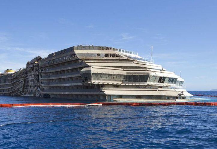 El Costa Concordia fue reflotado en septiembre pasado. (Agencias)