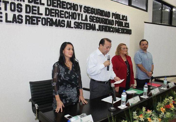 Autoridades académicas inauguraron la semana cultural del derecho. (Cortesía/Uqroo)