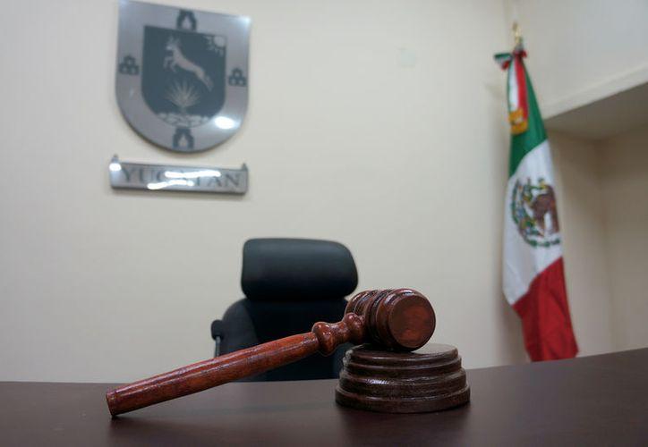 Imagen ilustrativa de una sala de juicio oral. Una mujer fue condenada a pasar 4 años en la cárcel, por transportar droga. (Poder Judicial)