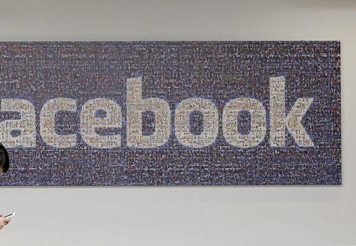 Una vez más, Facebook trata de simplificar su política de privacidad entre los usuarios. (Agencias)
