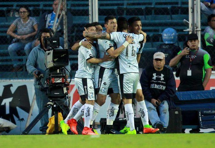 Durante la jornada 5 del Clausura 2017 de la Liga MX, los futbolistas mexicanos anotaron 13 goles, ante 8 de extranjeros.(Notimex)