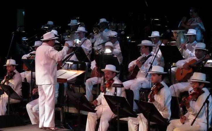 Su excelente participación en la Semana de Yucatán en México, en mayo, llevó a que la Orquesta Típica de Yukalpetén fuera nominada a los premios Lunas del Auditorio. (SIPSE)