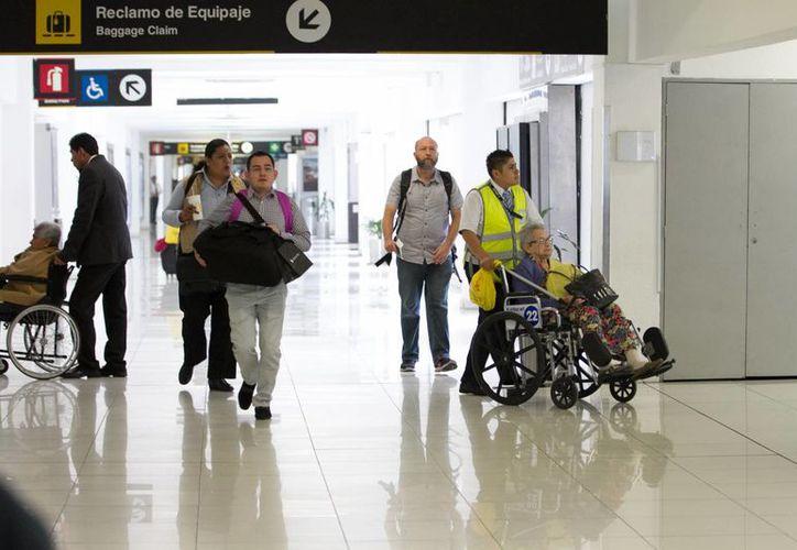 """El Aeropuerto Internacional """"Benito Juárez"""" de la Ciudad de México está incluido entre los que se realizará el pre-chequeo de pasajeros. (Archivo/Notimex)"""