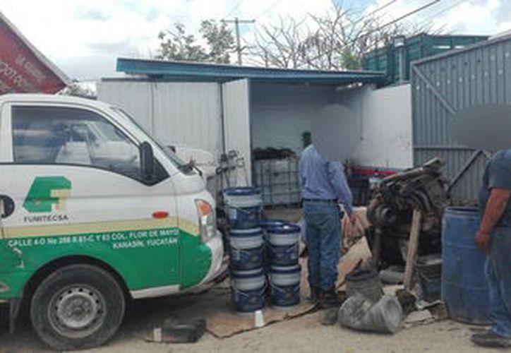 El taller, ubicado en Kanasín, genera residuos peligrosos como aceite lubricante usado y sólidos impregnados. (Profepa)