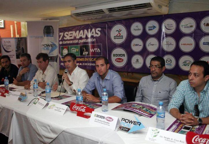Presentación de los torneos de tenis para las ramas varonil y femenil. (Milenio Novedades)
