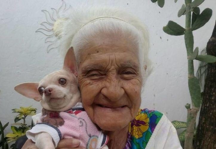 Virginia Romero Solís cuenta con 93 años de edad. (Eric Galindo/SIPSE)