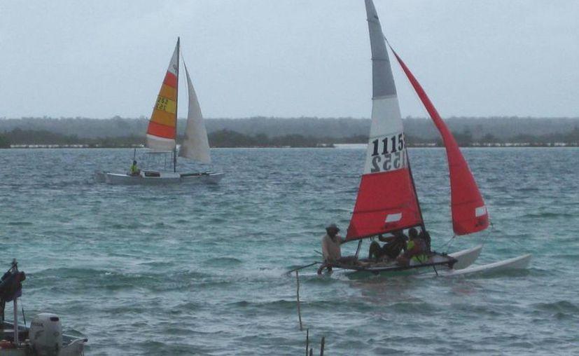 Buscan  convertir a la Laguna de Bacalar sede de eventos de reconocimiento nacional. (Javier ORtiz/SIPSE)