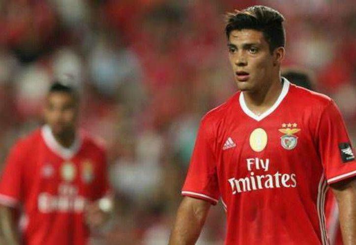 Raúl Jiménez jugó 20 minutos pero nada pudo hacer para evitar la eliminación del Benfica ante el modesto Moreirense. (record.com)