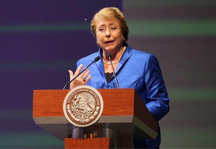 Entre los temas que negocian actualmente la presidenta chilena Michelle Bachelet y su homólogo mexicano Enrique Peña están: áreas de defensa, educación, banca de desarrollo, marina mercante, salud y seguridad. (Foto de archivo de Notimex)