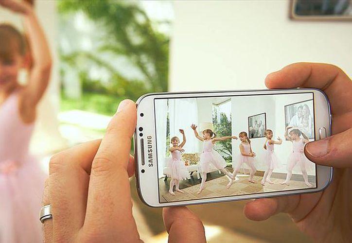 Se estima que la versión mini del Galaxy S4 costaría unos 350 dólares. (Facebook/Samsung México)