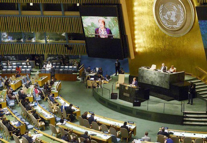 Imagen de la Asamblea General de la Organización de las Naciones Unidas. Altos directivos del organismo fueron señalados por formar parte de un esquema en el que John Ashe recibió sobornos por 1.3 millones de dólares. (Archivo/Notimex)