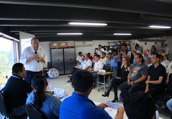Los hoteleros de la Riviera Maya presentaron ayer a las autoridades estatales y municipales su comité de prevención ante la temporada de huracanes. (Daniel Pacheco/SIPSE)