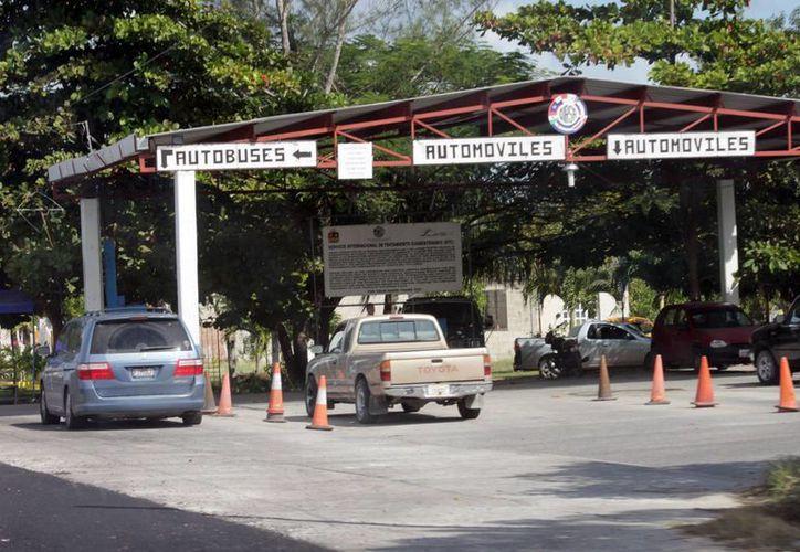 Carece frontera de una oficina de Sanidad Internacional, por lo que hay preocupación sobre un posible contagio de influenza AH1N1. (Francisco Sansores/SIPSE)