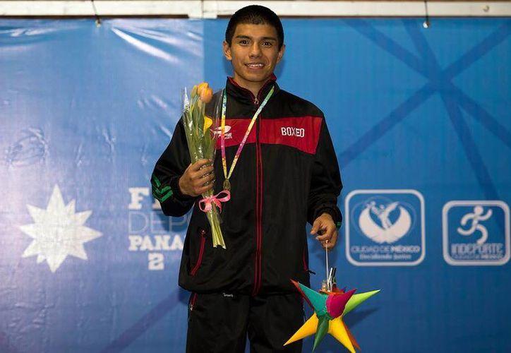 El pugilista cancunense Joselito Velázquez Altamirano, consiguió el primer oro para la delegación mexicana. (Redacción/SIPSE)