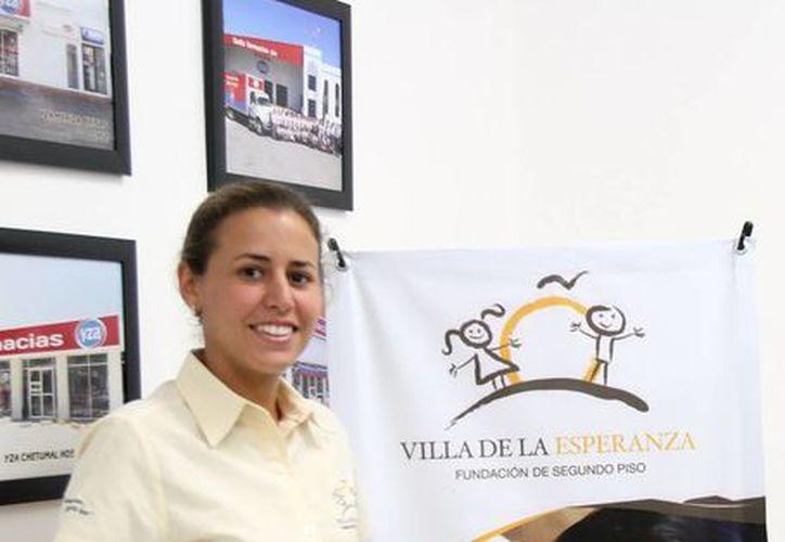 Mariana Rodríguez Molina, directora de Fundación Villa de la Esperanza, en conferencia de prensa. (Jorge Peña/SIPSE)