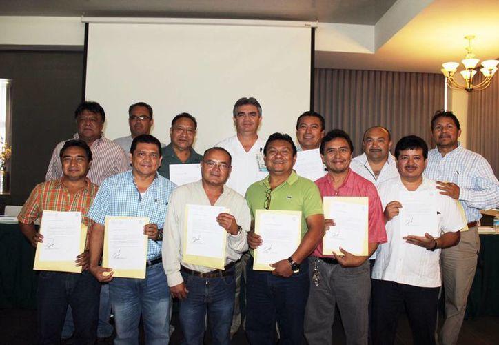Este año fueron 330 las trabajadoras y trabajadores del IMSS Yucatán galardonados por cumplir 25 y 30 años de servicio en esta institución. (Milenio Novedades)