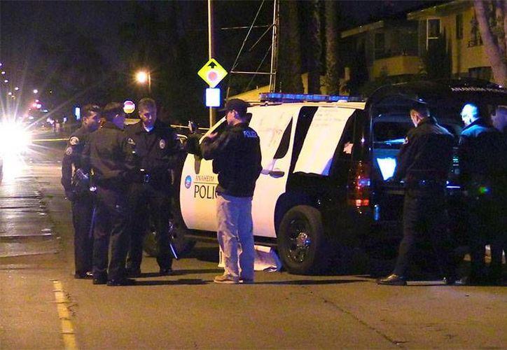 Ocho personas apuñaladas es el saldo de una pelea callejera registrada en California, las primeras horas del domingo informó la Policía de Anaheim. (Foto: info7.mx)