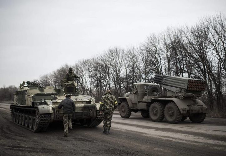 Los combates entre los separatistas de apoyo ruso y las fuerzas del gobierno remontaron en enero tras un mes de relativa calma. (Agencias)
