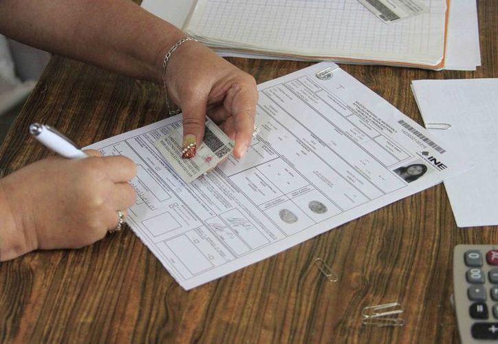 Las personas que realizaron su trámite y no recogieron sus credenciales no podrán votar en estás elecciones. (Harold Alcocer/SIPSE)
