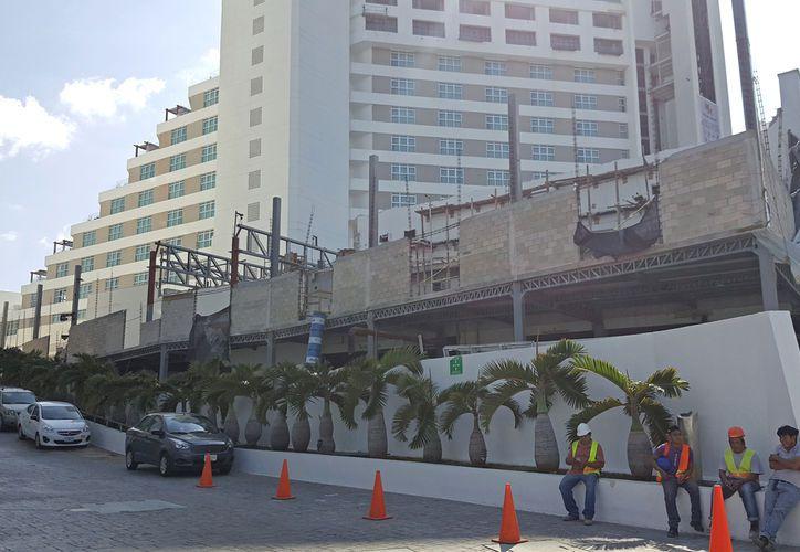 El hotel está bajo la marca Melody Maker, pero Be Live Hotels ultima un acuerdo para quedarse con la gestión. (Foto: Jesús Tijerina)