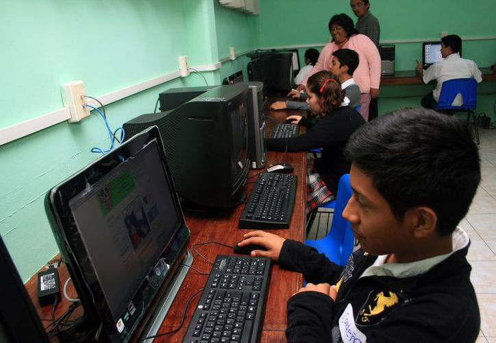 Hasta ahora están comprometidas para antes de fin de año 234 escuelas, con 286 aulas telemáticas. (SIPSE)