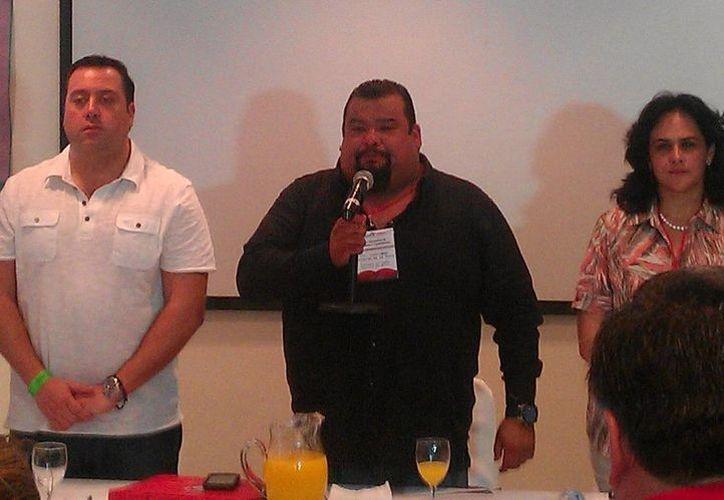 Cuauhtémoc Gutiérrez (c) durante un evento del PRI en el D.F. (pridf.org.mx/Foto de archivo)