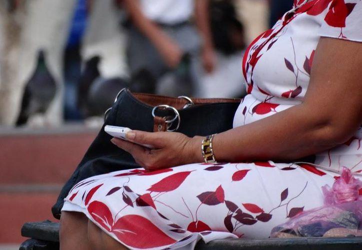 Son varios productos que la Consar activará este segundo semestre, entre ellos destaca el ahorro voluntario vía teléfono celular. (Archivo/SIPSE.com)