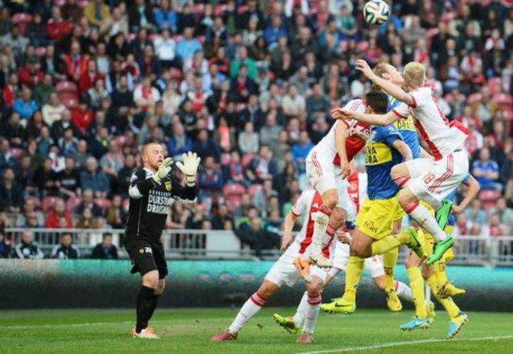 Las anotaciones fueron de Siem de Jong por parte del Ajax y Martijn Barto, del Cambuur. (ajax.nl)